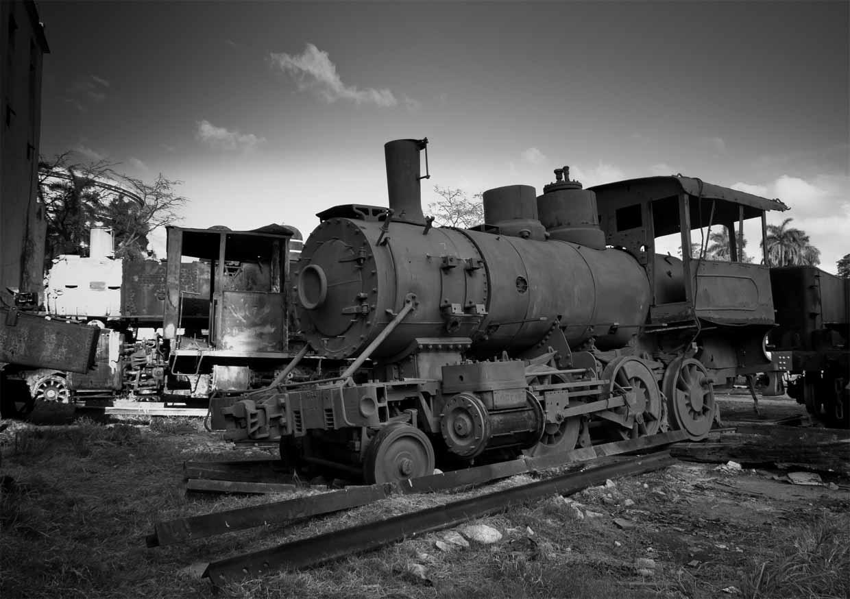 Trenes viejos cerca del barrio chino.Serie Cuba www.flickr.com/photos/alvarobueno/